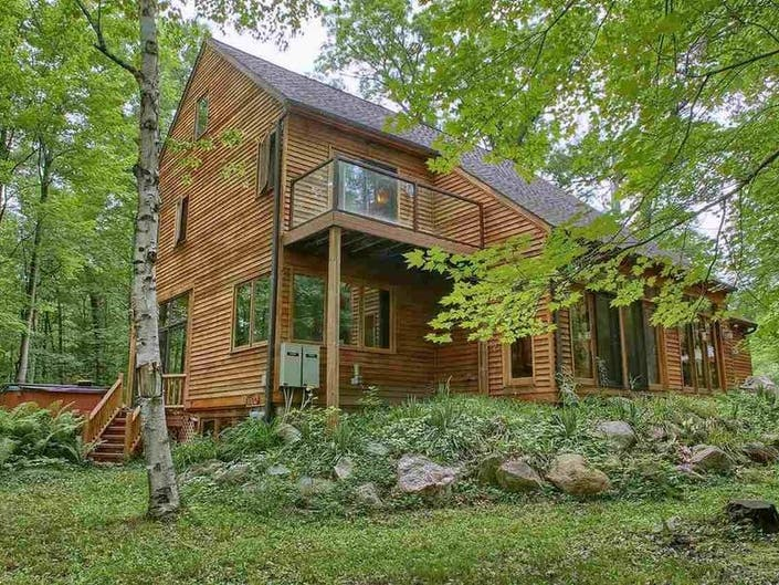 Lake House In The Woods Asks 485 999 0