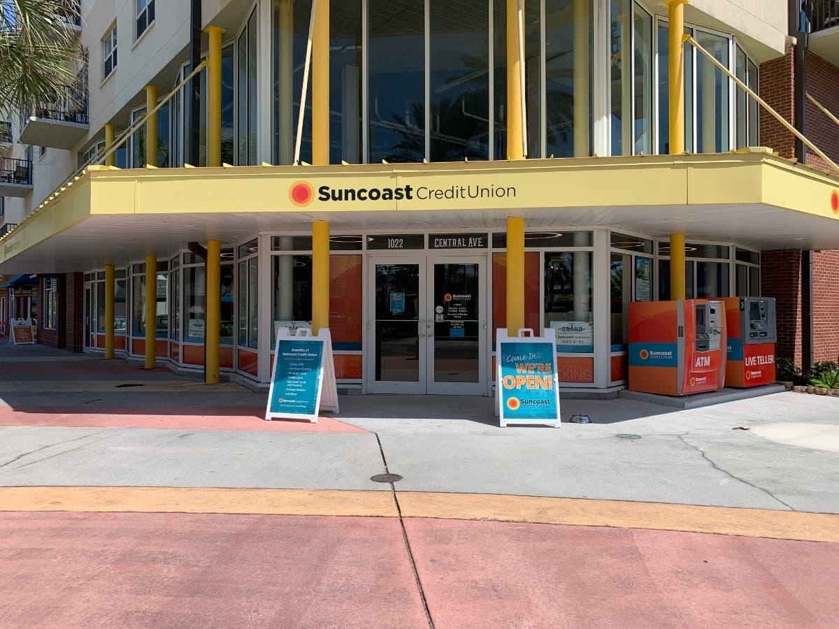 Suncoast Customer Service >> Credit Union Features Art Murals A Coffee Bar Vip Pet