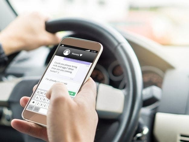 Texting While Driving >> Texting And Driving Now Against The Law In Florida Across Florida