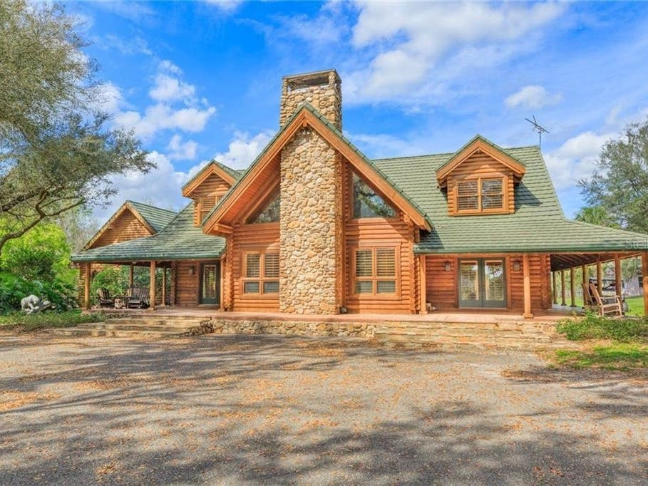 Equestrian Executive Log Cabin Lodge Sits On 32 Acres