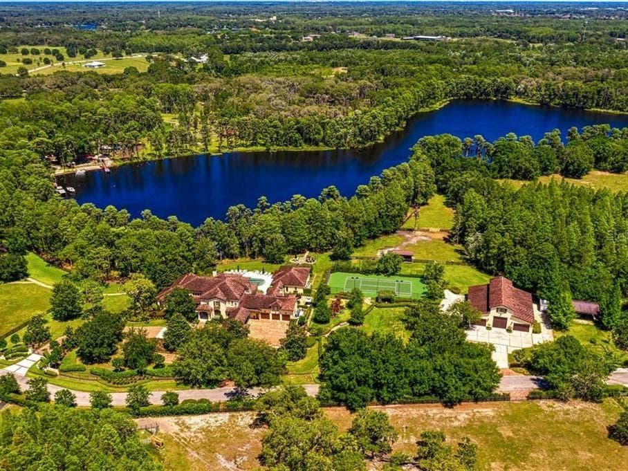 7.5-Acre Tuscan-Style Estate Located On Glass Lake In Odessa