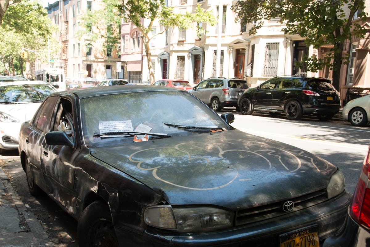 Who Invented The Bed >> Trash Filled Parked Car Draws Ire From Park Slope ...