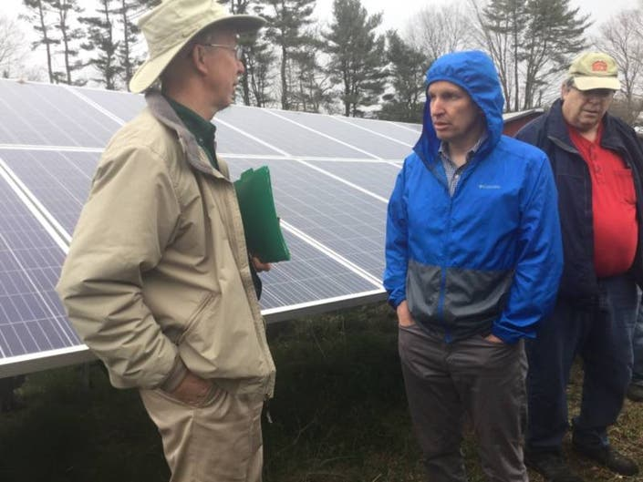 Bishops Orchards Shows Off Solar Power to Senator Chris Murphy