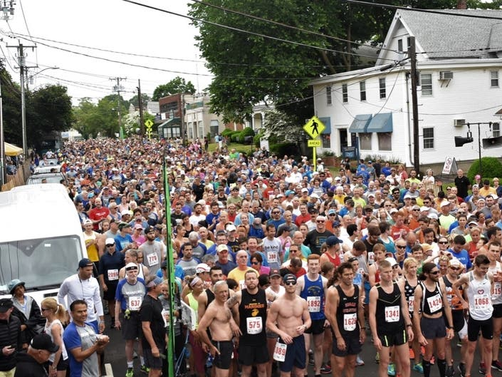 Thousands Run in Branford Road Race On Fathers Day Morning