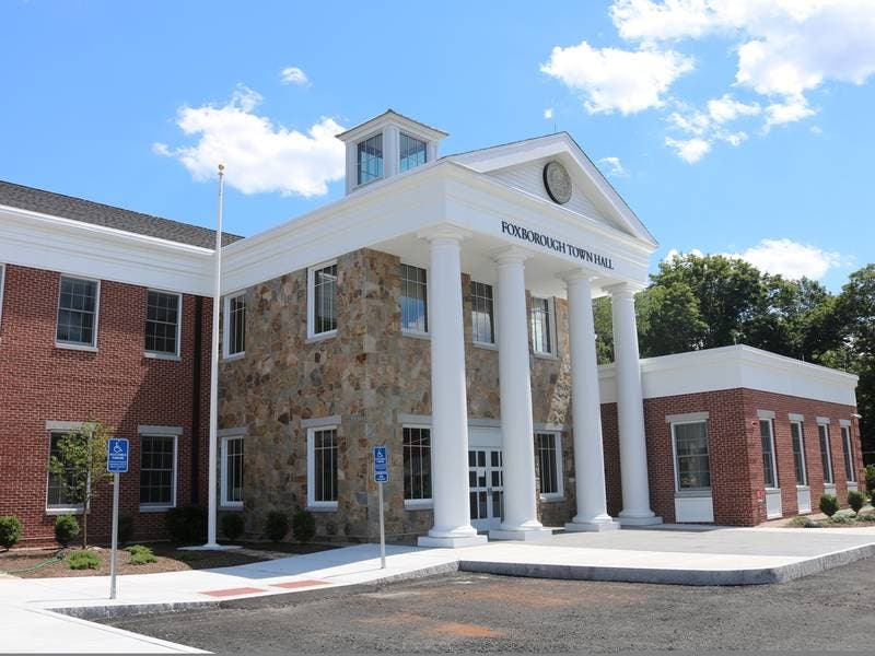 Selectmen Delay Pub Development Vote Over Conflict of Interest
