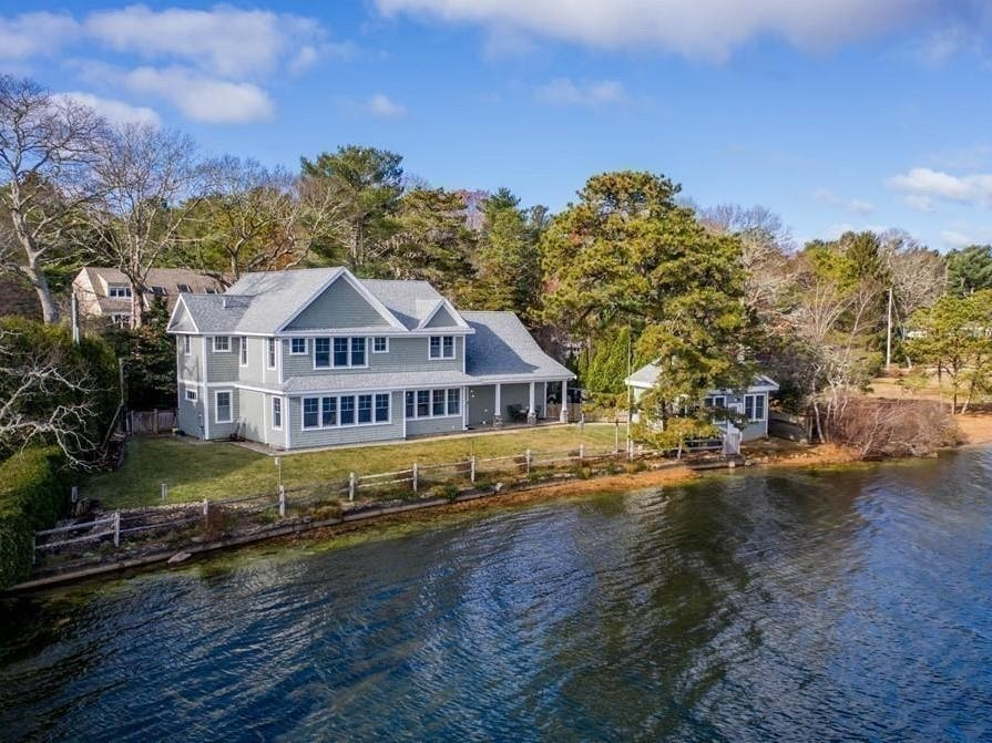 Jackie Os Marthas Vineyard Home Can Now Be Yours…for a