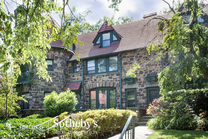 1st OPEN HOUSE! 4 Brm Townhouse For RENT  In Forest Hills Gardens