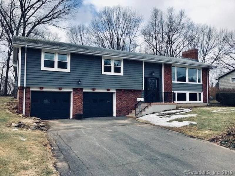 South Windsor: Check Out 5 Nearby Homes For Sale