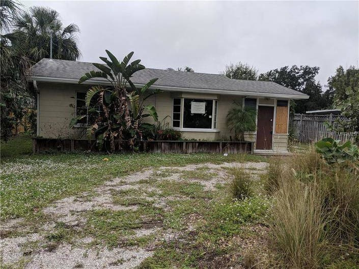 Sarasota: 5 New Foreclosures On The Market