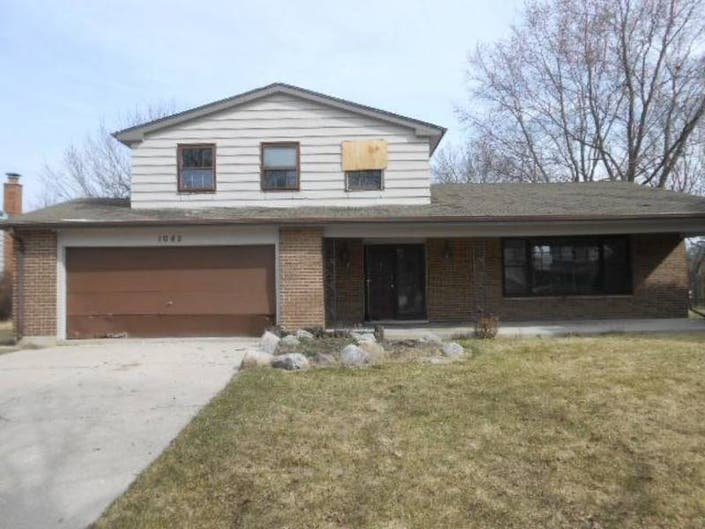 Libertyville: 5 Foreclosed Properties Near You