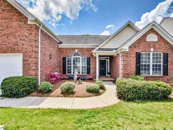 Simpsonville: 5 Newest Homes To Hit The Market