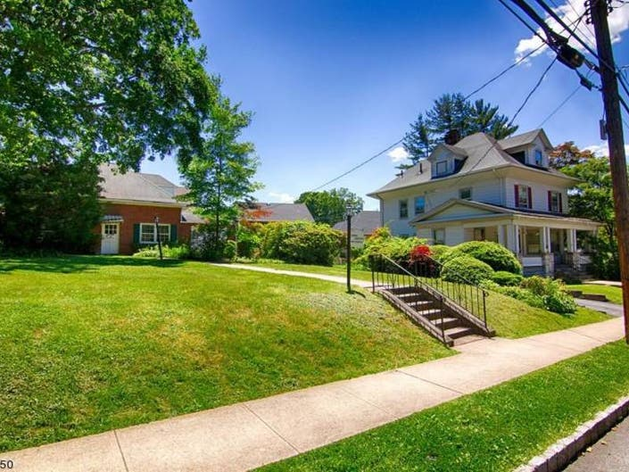 Bernardsville-Bedminster: Check Out 5 Local Homes For Sale