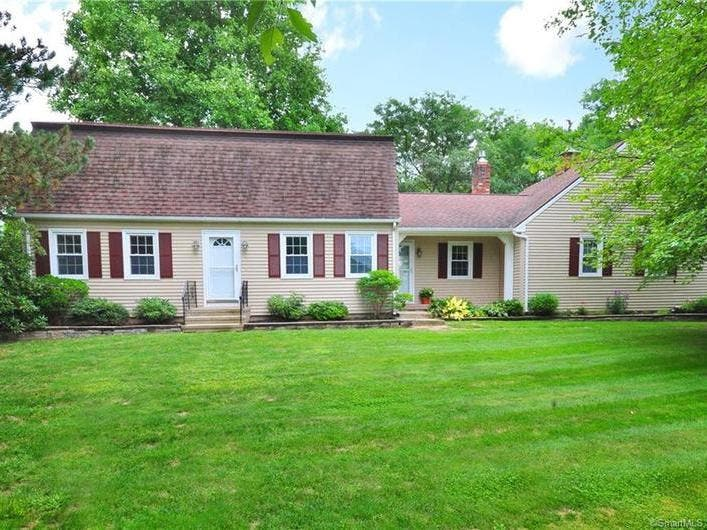 Windsor: 5 Open Houses To Stop By (PICS)