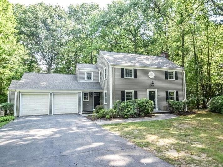 Simsbury: Check Out 5 Nearby Homes For Sale
