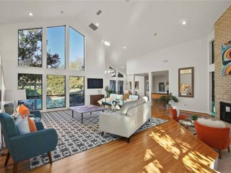 Spacious Mid-Century Modern Home For Sale In Dallas