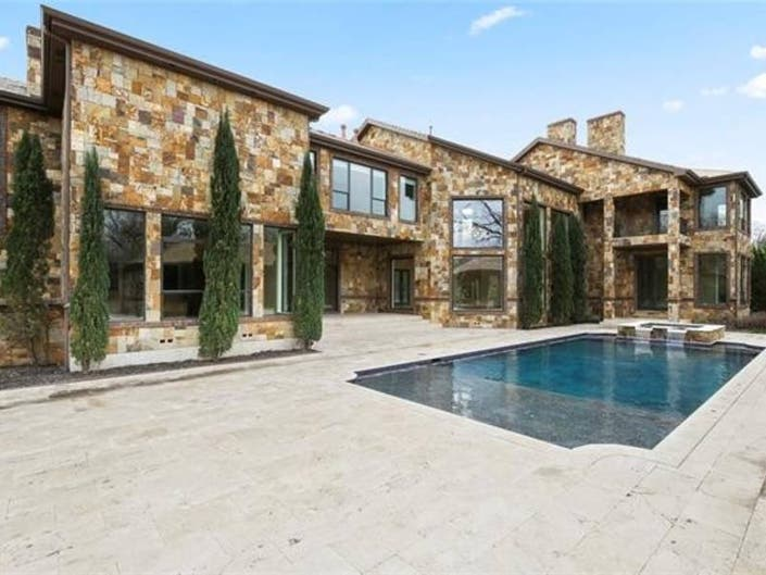 Large Swimming Pool Featured In Dallas Home