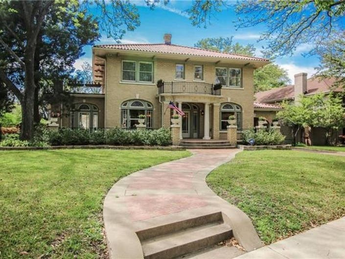 Fort Worth Home Has Tons Of Curb Appeal