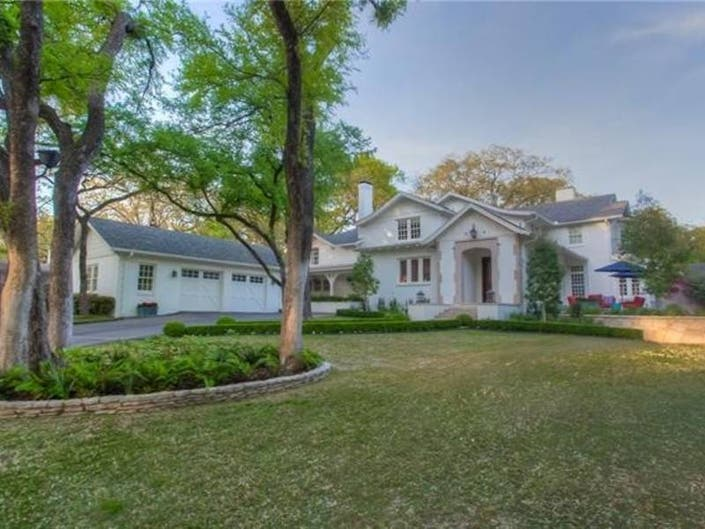 Large Traditional-Style Home For Sale In Fort Worth