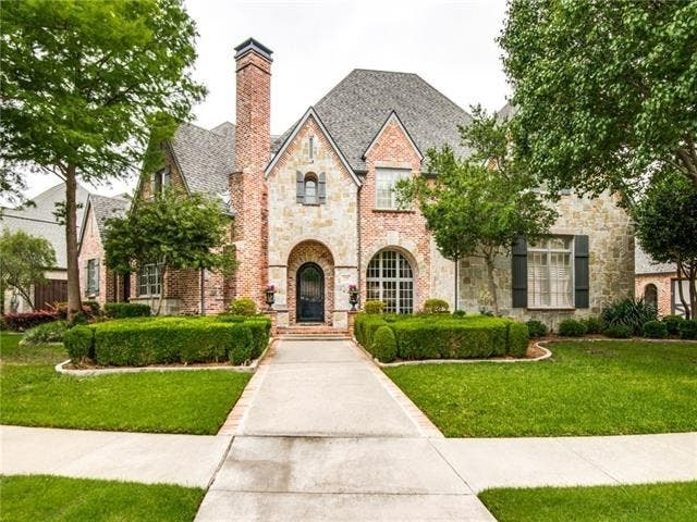 Huge Traditional-Style Home For Sale In Coppell
