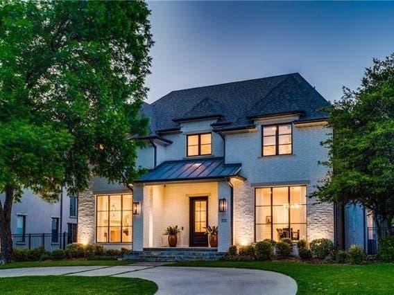 Sleek Modern Estate Is Worth A Look In Dallas