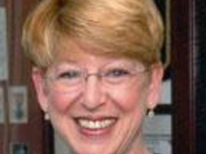 Retired Suffolk County Judge Barbara Kahn Dies