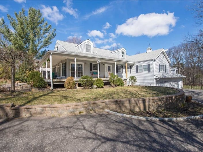 Wow House: Spacious Colonial With 7-Car Garage In Lake Ronkonkoma