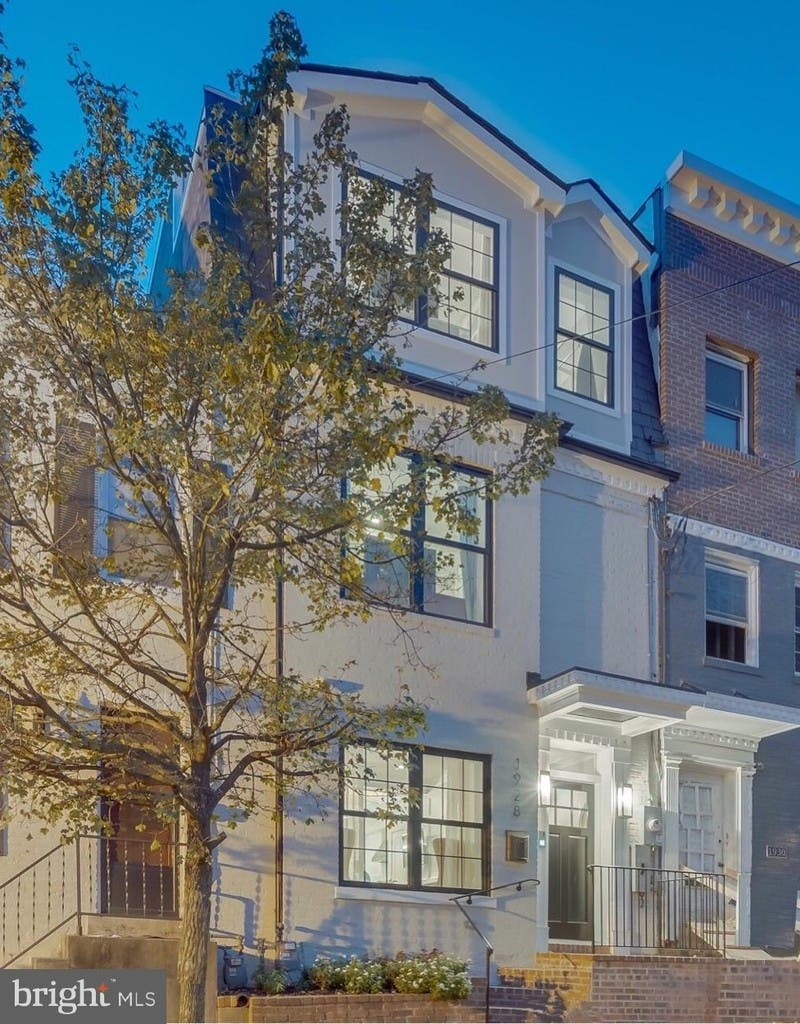 Bright And Modern Georgetown Home Has Rooftop Deck Private Patio