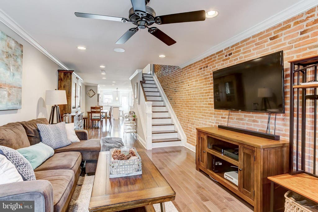 ... Recently Renovated Townhouse In Baltimore Has Three Bedrooms, A  Well Sunlit Kitchen With
