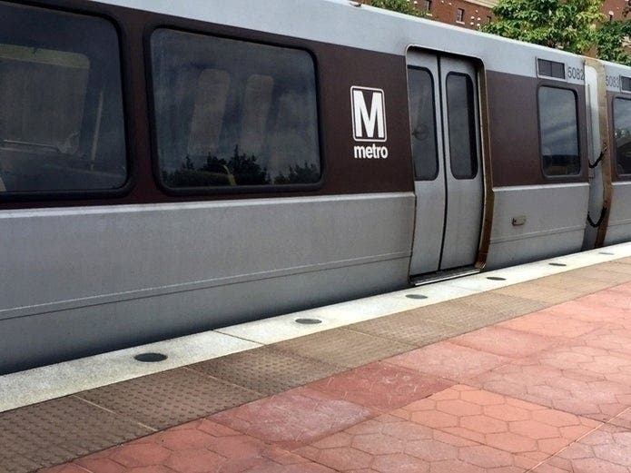 Weekend Metro Schedule: Buses Replace Trains, Single-Tracking