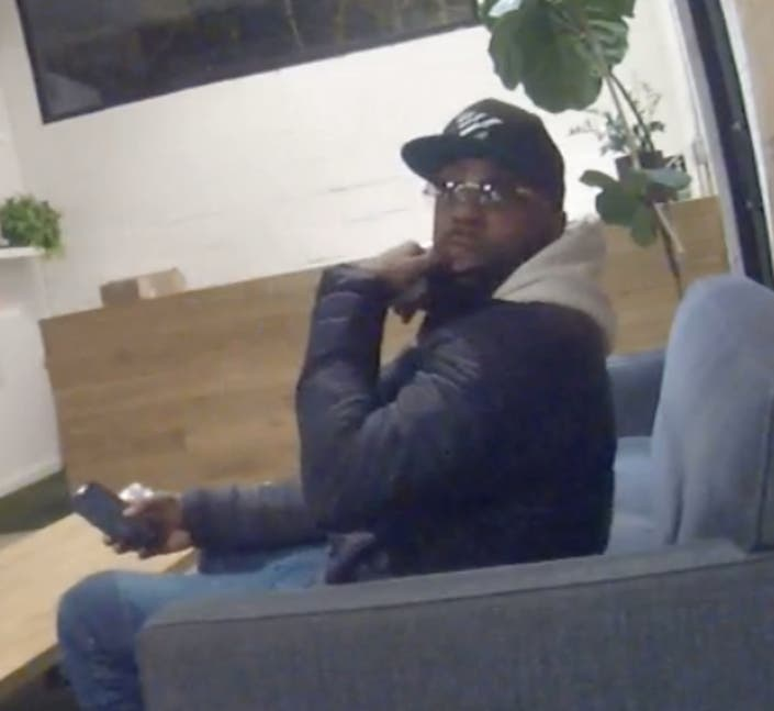 Williamsburg Thief Takes 15 Laptops, iPads From App Developers