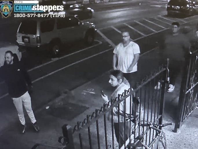 Fight Ends In Stabbing At Park Slope Laundromat, Cops Say