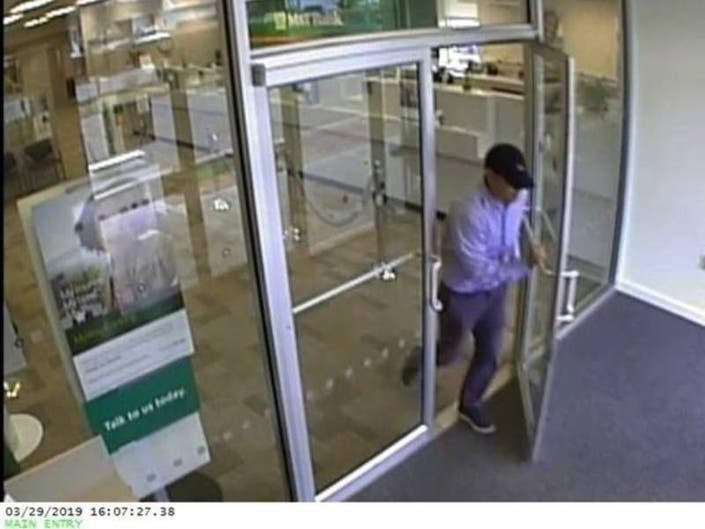 Southern Ocean County 911: Bank Robber Busted, Vandalism