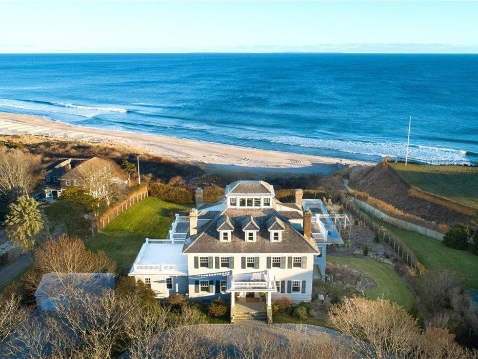 Ri Mansion Near Taylor Swift S Home On Sale For 18 9m Narragansett Ri Patch