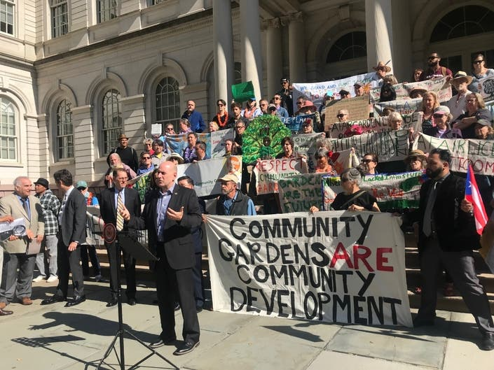Garden members rallied alongside support from Assemblymember Harvey Epstein, State Senator Brad Hoylman, and Councilmembers Carlina Rivera, Mark Levine, and Peter Koo.