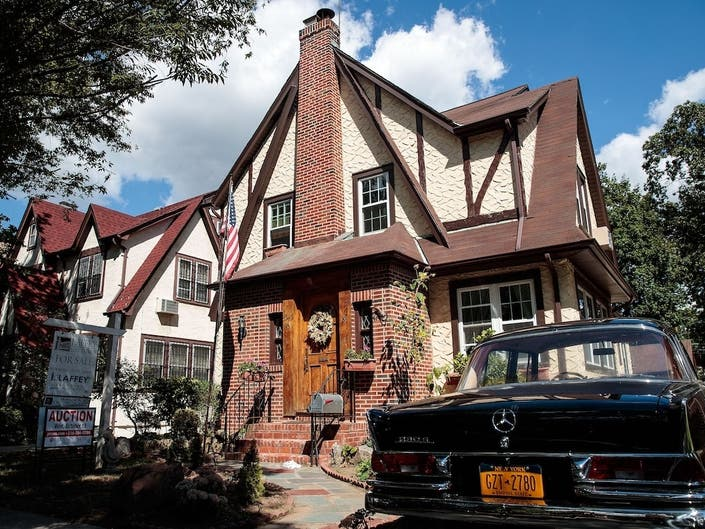 Donald Trumps Childhood Home In Queens Is Up For Auction Again