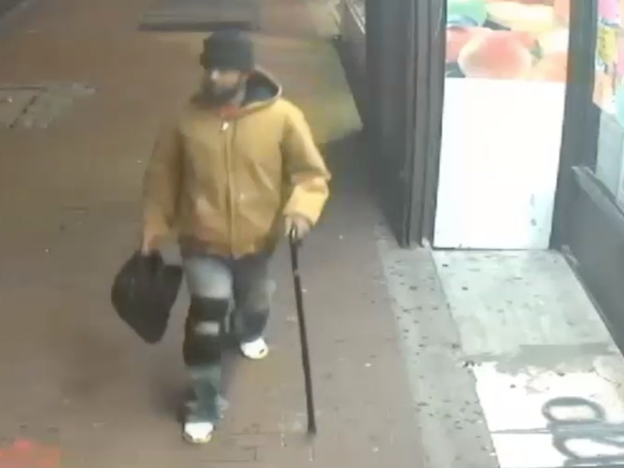 Timberland Thief Slashes Throat Of Queens Clerk Chasing Him: Cops