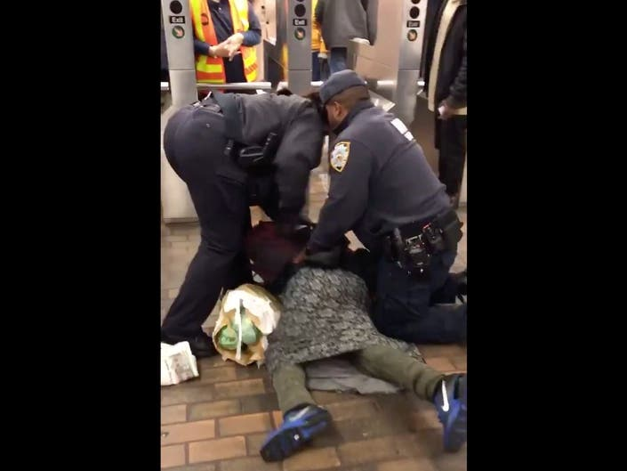 SEE: NYPD Handcuffs Homeless Woman In Jamaica Subway Station