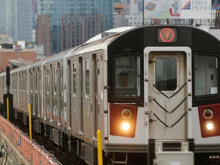 Dusting Of Snow Cripples 7 Trains Pricey Signal System, MTA Says