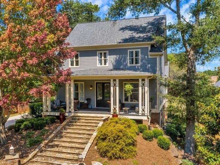 Home Near Historic Downtown Roswell Features Guest House