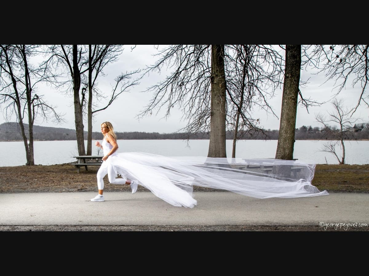 Woman to run 285 miles in a wedding dress that ends in heights