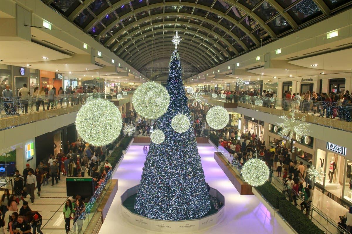Nov 9 Galleria Hosts 31st Annual Tree Lighting On Saay