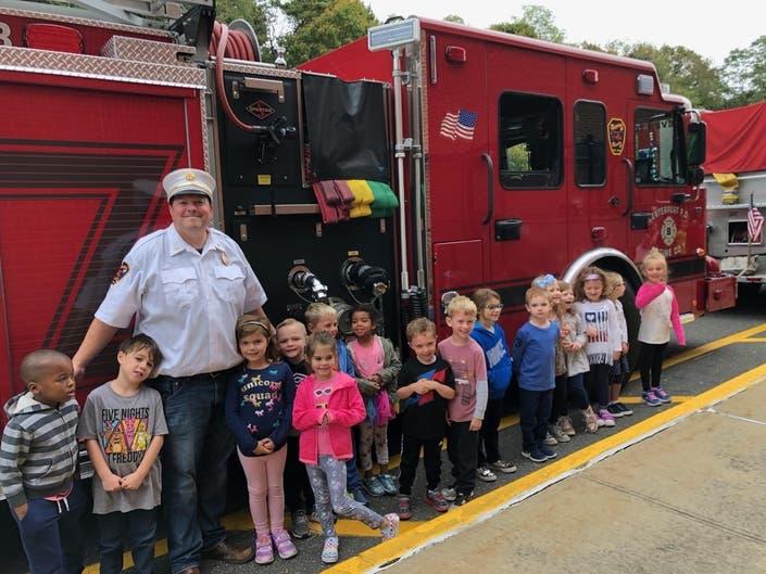 Centerport FD Visits Washington Drive Primary School