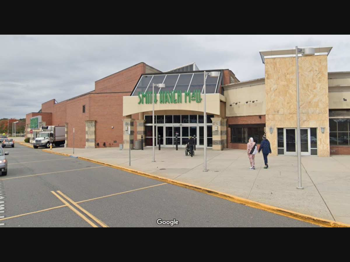 2 Suffolk Malls To Reopen