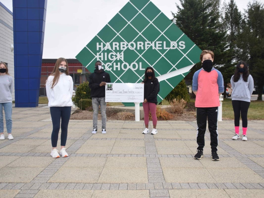 Harborfields Students Donate To Breast Cancer Research Foundation