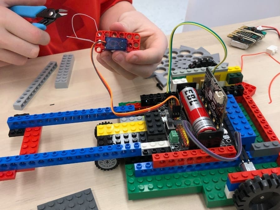 Jul 8 | Battle Bots STEAM Camp with MKR LAB | Bethel, CT Patch