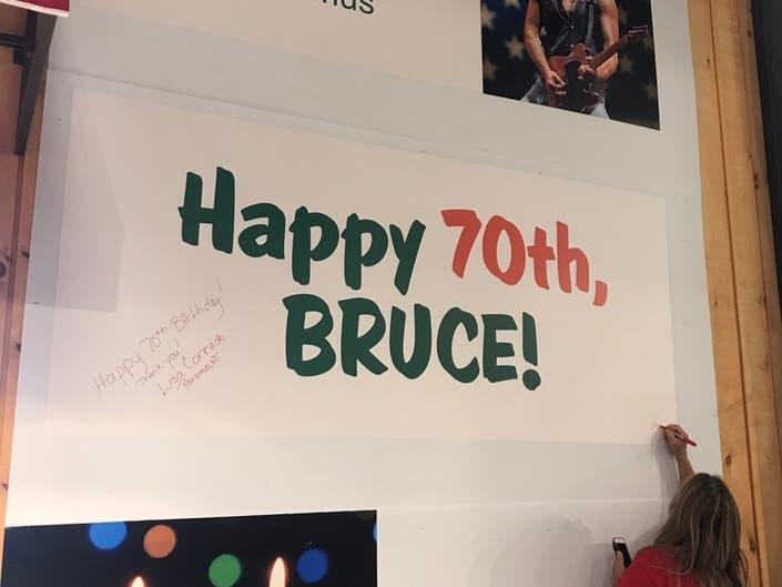 Stew Leonards Celebrates 1st NJ Store With Springsteen Tribute