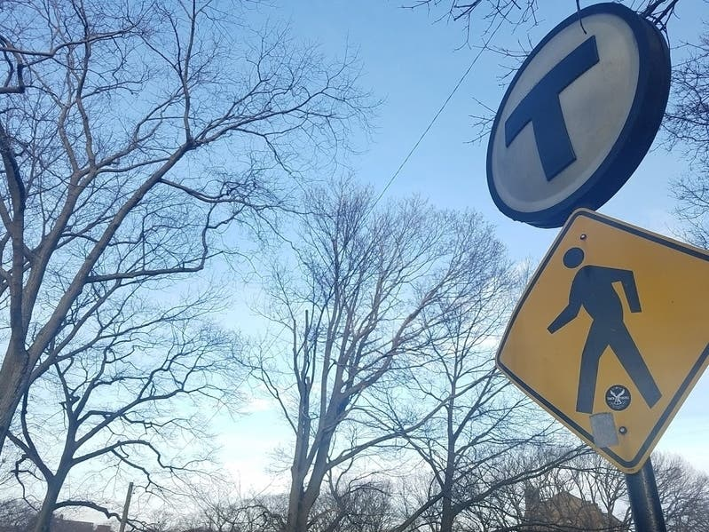 18 MBTA Bus Stops To Get Solar Real-Time Arrival Prediction Signs