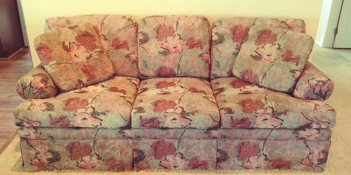 Picture of: Ethan Allen 8 Ft Sofa Temecula Ca Patch