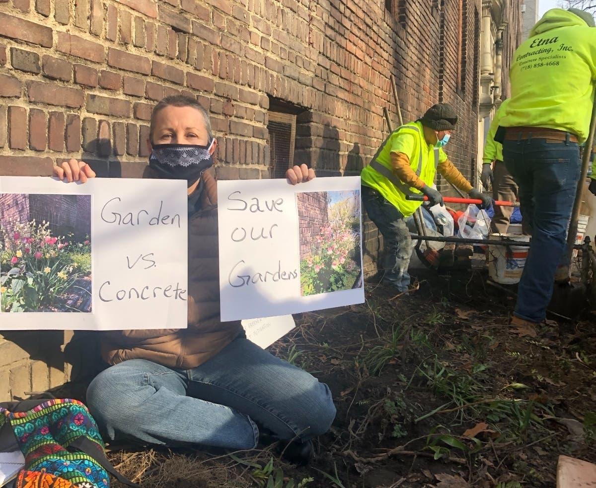 UES Developer Tears Up Popular Garden As Residents Protest