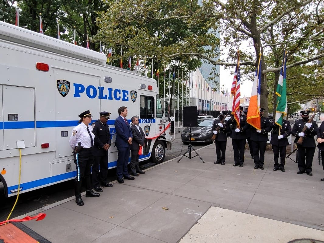 NYPD officials and City Councilmember Ben Kallos cut the ribbon Wednesday on a new mobile command center for the 17th Precinct.